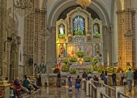 Gläubiges Mexiko: Auf den Knien zum Altar