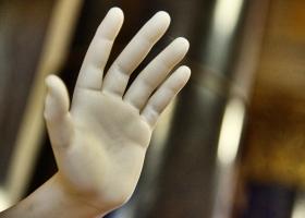Altes-Museum_Hand_1.2