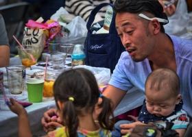 Tokyo_Shinagawa_junger-Vater-mit-Kindern_1.1