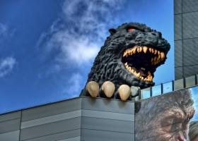 Tokyo_Shinjuku_Godzilla_1.2