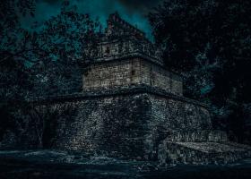 Chichen-Itza_Pyramide_1.2