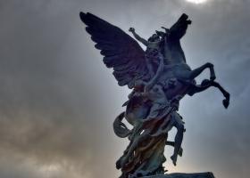 Mexiko-Stadt: Menschen und Pegasus