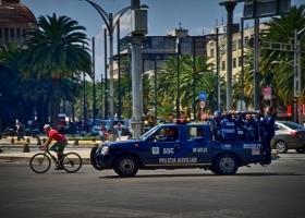 Mexiko_Polizeiwagen_1.1