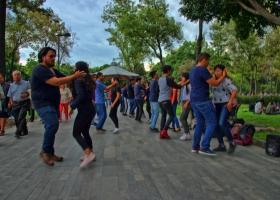 Tanzen-lernen-im-Freien_2.1