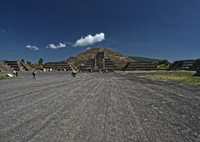 Teothihuacan: Blick auf Mondpyramide